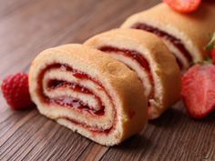 Gloria's Jam Roll Cake: An old-fashioned classic that's still in style and insanely delicious. Cakes To Make, How To Make Cake, Jam Recipes, Dessert Recipes, Party Recipes, Jam Roll, Jelly Roll Cake, Low Carb Brasil, Cinnamon Cake