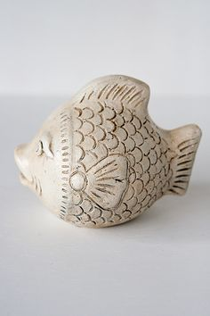 This stylish piece makes the great addition to any space. - Clay - Approximately… Ceramic Pinch Pots, Ceramic Clay, Ceramic Pottery, Fish Sculpture, Pottery Sculpture, Clay Fish, How To Make Clay, Clay Studio, Funky Art