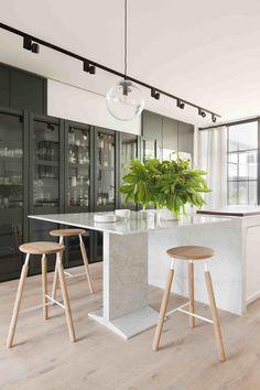 Belle Interior Design Awards | Hecker Guthrie Carlton Residence | Featured on sharedesign.com.