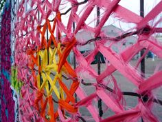 Creative Street Art – cross stitch murals on fences … – Graffiti World Secondary School Art, Art School, Pixel Art, Fence Weaving, Collages, Diy Recycling, Link Art, Graffiti Murals, Fence Art