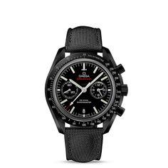 Speedmaster Moonwatch Chronographe Omega Co-Axial 44,25mm - ref. 311.92.44.51.01.003 : Incarnant à la perfection le style audacieux, la technologie avant-gardiste et l'esprit d'aventure d'OMEGA, ce modèle OMEGA Speedmaster « Dark Side of the Moon » en céramique à l'allure élancée et sportive vient enrichir la collection emblématique. Cette montre unique est pourvue d'un cadran en céramique noire, composée d'oxyde de zirconium, qui se distingue par ses sublimes aiguilles de style «…