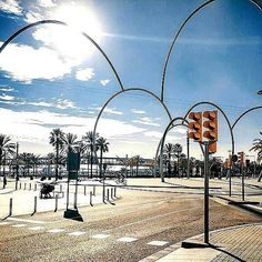 Barcelona's arches welcoming you to the port ✌⛴☀️ #sculpture 'Steel Waves' made by Andreu Alfaro #barcelona #port #arches #steel #ilovethiscity #summer #chicandbasichotels #sun #blue #sky #citylife #travel #welcome