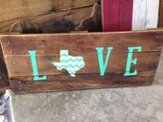 Texas Love Chevron Pallet Sign- Texas decor, gift for home, Texas recycled pallet sign, reclaimed wood sign