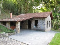 reforma de casas rústicas - Pesquisa Google #fachadasdecasasrusticas Stone Cottages, Stone Houses, Stone Cabin, Outdoor Living Rooms, Concept Home, Outdoor Settings, Tropical Houses, Small House Plans, Traditional House