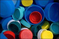 Reciclar tapones de plástico, ecología y solidaridad