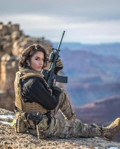 Deadly military women also deserve to fight for their country just like men. Woman have served in the military in greater number than before. Military services all open for both gender. Military Girl, Military Fashion, Military Style, N Girls, Cute Girls, Army Girls, Warrior Girl, Female Soldier, Military Women