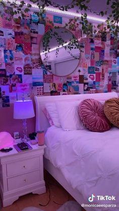 Neon Bedroom, Room Design Bedroom, Room Ideas Bedroom, Bedroom Inspo, Dream Bedroom, Dream Teen Bedrooms, Hippie Bedrooms, Bedroom Decor For Teen Girls, Teen Room Decor