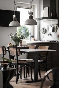 Clever and genius small dining room design ideas 40 Dining Room Design, Interior Design Kitchen, Dining Area, Kitchen Dining, Kitchen Decor, Room Kitchen, Interior Modern, Kitchen Ideas, Sweet Home