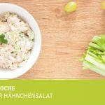 Diese Woche servieren wir einen knackigen Hähnchensalat mit Stangensellerie. Der Stangensellerie, der die Menschheitin zwei Lager spaltet, wartet schon in
