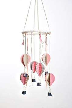 Hot Air Balloons baby mobile | Gift for new baby girl | Pink balloons mobile | hot air balloon decoration | pink beige brown nursery by Nuppi on Etsy https://www.etsy.com/il-en/listing/272118114/hot-air-balloons-baby-mobile-gift-for