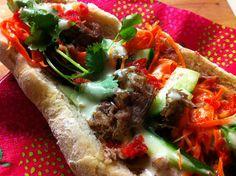 Vietnamilaiset Bánh mì patongit.