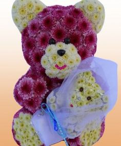 Mona Blooming with Baby from Blooming Bears #bloomingbears #mothersday #flowerswithpersonality #flowerbear #madeofflowers #diy #flowers #mothersdaygiftidea #gift #babyshower #holiday #mamabear