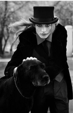 black and white photo of top hat woman with her old dog Gothic Men, Gothic Beauty, Dark Beauty, Victorian Gothic, Visage Halloween, Looks Dark, Goth Guys, Costume Halloween, Vampires