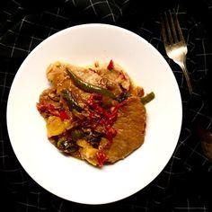 Vepřové kotlety dušené na paprikách - jak prosté, ale dobré 😋 / Braised boneless pork chops with bell peppers - so easy, but tasty