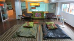 Bangkok's hippest hostels with my beloved wooden flooring. cheap hotel but cheerful feeling