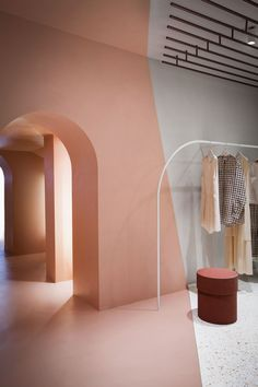 A Sequence of Spaces Distinguished by Combinations of Materials and Colours – Alysi Milan Boutique Interior by Italian Design Duo Studio Pepe Boutique Interior Design, Showroom Design, Interior Shop, Italian Interior Design, Retail Interior Design, Interior Concept, Cafe Design, Design Design, Commercial Design