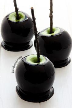 Spooky Black Caramel Apples | 21 Spooky Halloween Dessert Ideas