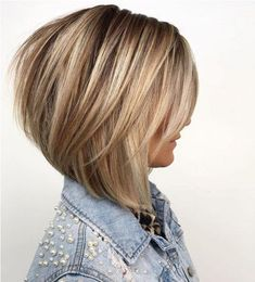 60 Layered Bob Styles: Modern Haircuts with Layers for Any Occasion Bronde Bob with Long Feathered L Bob Style Haircuts, Angled Bob Haircuts, Layered Bob Hairstyles, Haircuts With Bangs, Modern Haircuts, Hairstyles Haircuts, Long Bob Haircuts With Layers, Pixie Haircuts, Modern Bob Haircut