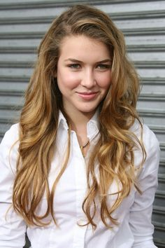 """Nathalia Ramos Photos - Actress Nathalia Ramos attends the premiere of Rogue Pictures' 'Balls of Fury' held at the Egyptian Theatre August 2007 in Hollywood, California. - Premiere of Rogue Pictures' """"Balls of Fury"""" Most Beautiful Women, Beautiful People, House Of Anubis, Nickelodeon Girls, Golden Brown Hair, Bratz, Kristina Pimenova, Great Tv Shows, Classic Beauty"""