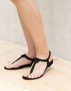 Sandale cu talpă plană nod - Afişare Toate - Bershka Romania