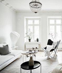 White and bright home - via Coco Lapine Design