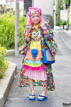 "tokyo-fashion: ""Sasakure at the recent Harajuku decora meetup in Tokyo. We've seen Sasakure around the streets of Harajuku quite a lot this year, and she's always smiley and cheerful. Japan Street Fashion, Tokyo Fashion, Harajuku Fashion, Lolita Fashion, Diy Outfits, Cute Outfits, Harajuku Mode, Harajuku Girls, Harajuku Style"