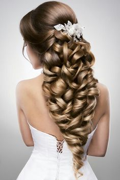 Still Searching For The Great Hair Style For Your Wedding Ceremony? Get Passionate By These Fabulous Styles That May Leave Any Young Woman Tressed To Impress ! Unique Wedding Hairstyles, Hairdo Wedding, Bride Hairstyles, Pretty Hairstyles, Perfect Hairstyle, Bridesmaid Hairstyles, Bridal Hair Accessories, Great Hair, Gorgeous Hair