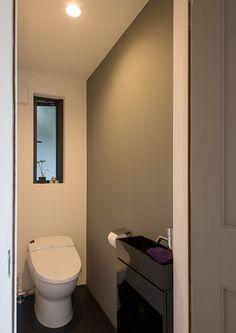 デザインへの挑戦 | 注文住宅なら建築設計事務所 フリーダムアーキテクツデザイン Restroom, Bathroom, House Plans, House, Toilet, Home, Renovations, Home Decor, Room