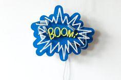 Boom-Leuchtschrift. Partylampe. Zu finden auf Etsy.