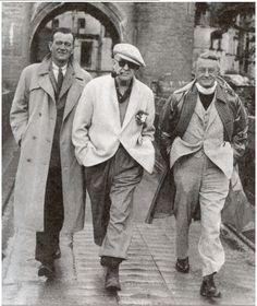 "John Wayne, John Ford and Arthur Shields filming ""The Quiet Man"" in Ireland. Golden Age Of Hollywood, Classic Hollywood, Old Hollywood, I Movie, Movie Stars, Star Trek, Westerns, The Quiet Man, Zombies"