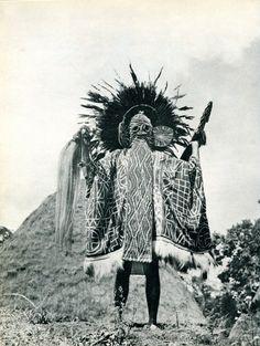 Bamileke masked ritual performer, Cameroon. Parures Africaines, Denise Paulme & Jacques Brosse, éd. Hachette