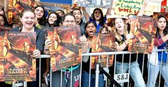 """How """"Hunger Games"""" Built Up Must-See Fever (NYT article on Lionsgate yearlong campaign)"""