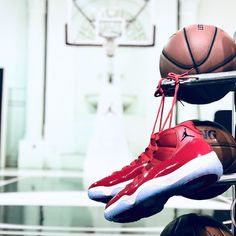 size 40 b1b88 81e4c Toms Schuhe Für Männer, Dallas Cowboys Frauen, Air Jordan Xi, Jordan  Turnschuhe,