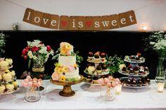 SWEET TABLE - HOCHZEITSTORTE - Kathi & Flo | HOCHZEIT in Nussdorf am Attersee - Carolin Anne Fotografie - Wedding Photographer from Linz, Austria