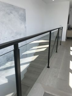 Staircase Handrail, Stair Railing Design, Modern Staircase, Fence Design, Railings, Iron Balcony, Balcony Railing, Hello Kitty Room Decor, Small Space Stairs
