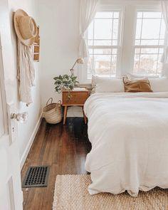 Cheap Home Decor .Cheap Home Decor Decoration Inspiration, Room Inspiration, Decor Ideas, Design Room, Interior Design, Interior Plants, Design Design, Aesthetic Room Decor, Home Decor Bedroom