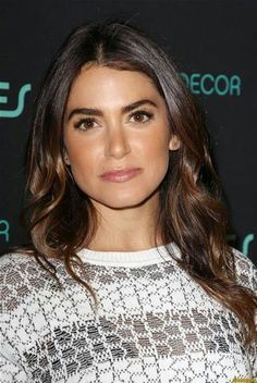 258e149c42f1 Nikki Reed   reproduire son beauty look shiny