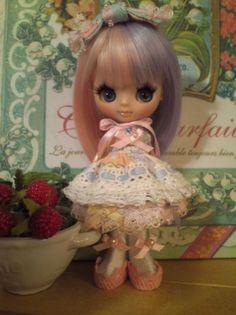 momo.b custom Petite Blythe☆ pastel sister-chan Buy her here: #blythe #blythedolls #kawaii #cute #rinkya #japan #collectibles #petiteblythe #customblythe