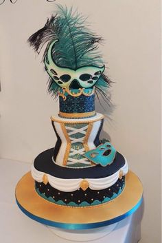Masquerade themed cake - by Jeelee @ CakesDecor.com - cake decorating website
