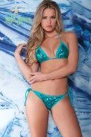 I want this swim suit!