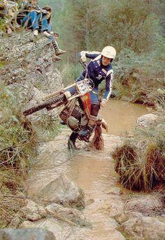 Ulf Karlsson yasssssss Enduro Vintage, Vintage Biker, Vintage Motocross, Old School Motorcycles, Vintage Motorcycles, Cars And Motorcycles, Motos Trial, Trial Bike, Motocross Bikes