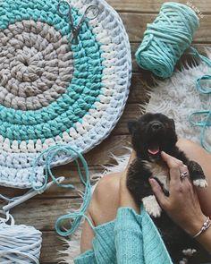 23 Trendy Crochet Ideas For Home T Shirts Crochet Doily Rug, Crochet Granny Square Afghan, Crochet Carpet, Crochet Owls, Crochet Food, Crochet Quilt, Crochet Flower Patterns, Knit Crochet, Crochet Ideas
