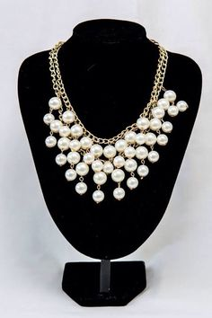 Stunning pearl necklace.