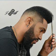 @thegreatgiftedhandz Mens Haircuts 2015, Hot Haircuts, Black Men Haircuts, Cool Mens Haircuts, Stylish Haircuts, Black Men Hairstyles, Beard Fade, Sexy Beard, Classic Mens Haircut