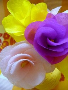DIY Tutorial DIY Flowers and Bows / DIY Crepe Paper Carnation Flower- Beautiful Centerpiece Flower Idea - Createsie - Bead&Cord Handmade Flowers, Diy Flowers, Fabric Flowers, Tissue Paper Flowers, Paper Roses, Streamer Flowers, Paper Streamers, Flower Crafts, Flower Art