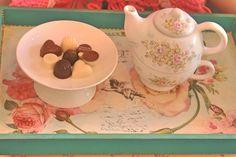 TEA FOR ONE PINTADO A MANO CON PORTA COOKIES ♥♥♥ #rosas #roses #romanticcoutage #romance #romantic #torta #cake #cookies #cupcakes #chic #porcelana #vajilla #palermo #palermosoho #palermoviejo #buenosaires #argentina #pinkroses #pink #vintage #vintagedeco #shabbychic #chicdeco #mesadulce #muffins #love #cute #princes #queen #pretty #food #dessert #sweets #antique #antiquedeco #porcelain #romanticstyle #decostyle #chicstyle #artandcraft #craft #art #romanticdeco #chocolate
