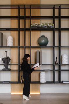 Lightroom, Photoshop, Cabinet Shelving, Display Shelves, Ceiling Design, Wall Design, House Shelves, Store Layout, Shelving Design