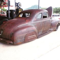 « ..... 1941'Plymouth ! 5Window Coupe to be continued… »