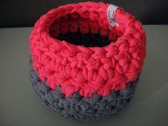 Pink-grauer Häkelkorb aus Textilgarn, Ø ca. 13,5 cm