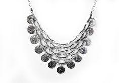 Esméralda necklace £8 on www.waningmoon.co.uk Worldwide shipping on everything!! ✨